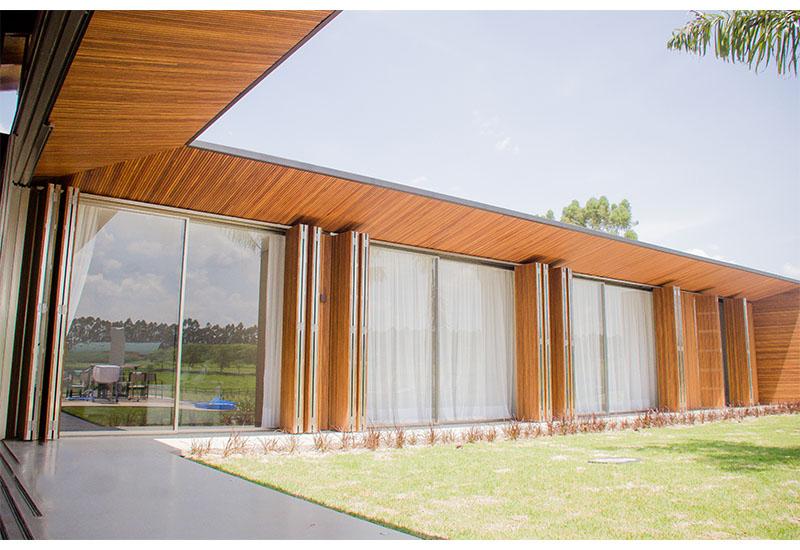 construcao-moradia-luxo-fazano-fazenda-boa-vista-portas-ripadas-laf-construction-management
