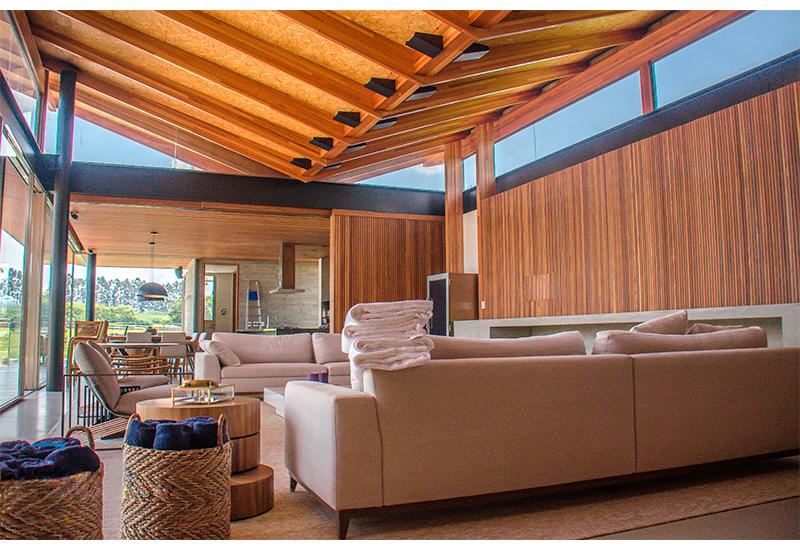 construcao-moradia-luxo-fazano-fazenda-boa-vista-sala-telhado-borboleta-laf-construction-management