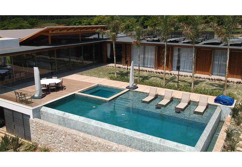 construcao_moradia_alto_luxo_premium_piscina_pedra_hijau_Laf_Construction