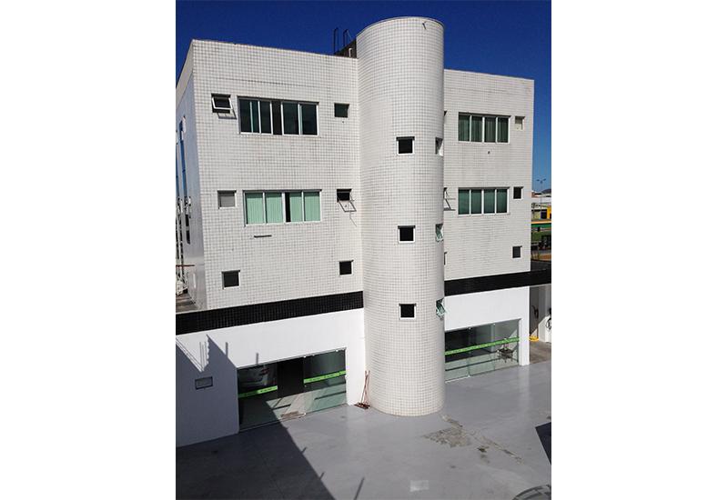 construcao_predio_comercial_fachada_fundos_pastilha_Laf_Construction_Management