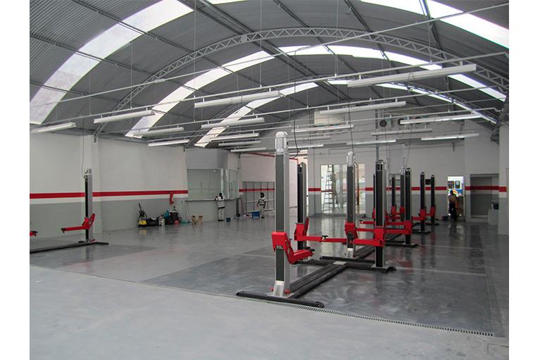 laf-construction-concessionaria-kia-tijuca-salao-oficina