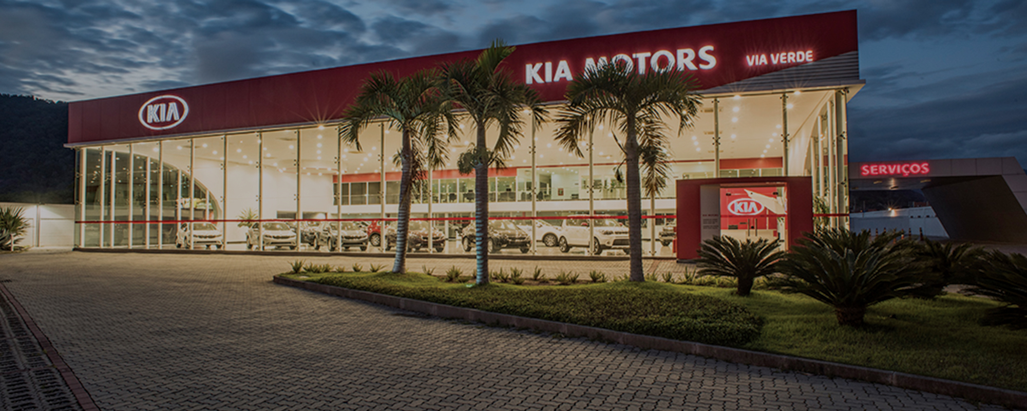 Construção concessionaria kia fachada pele de vidro
